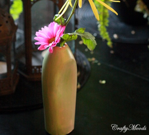 39 amazing things to make from plastic bottles for Plastic bottle vase craft